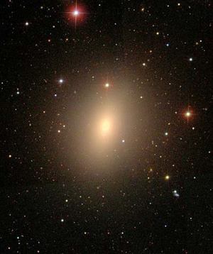 The elliptical galaxy NGC 4621 (Credit: WikiSky/SDSS)